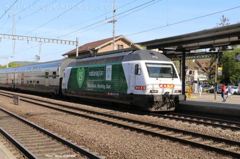Re 460 001-1 CFF à Sissach (CH)