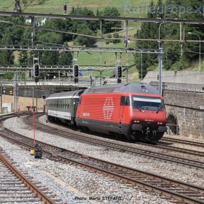 Re 460 004-5 CFF à Airolo (CH)