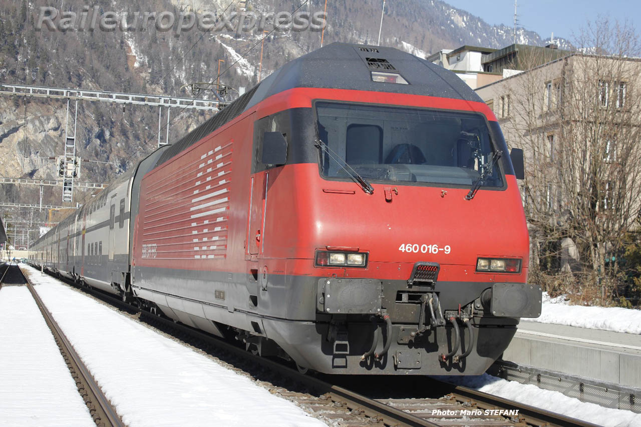 Re 460 016-9 CFF à Interlaken