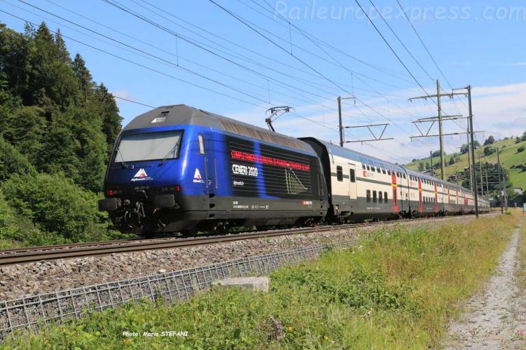 Re 460 031-8 CFF à Mülenen (CH)