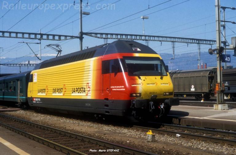 Re 460 037-5 CFF à Yverdon (CH)
