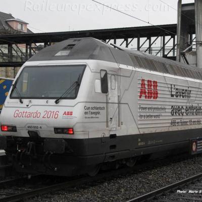 Re 460 052-4 CFF à Spiez (CH)