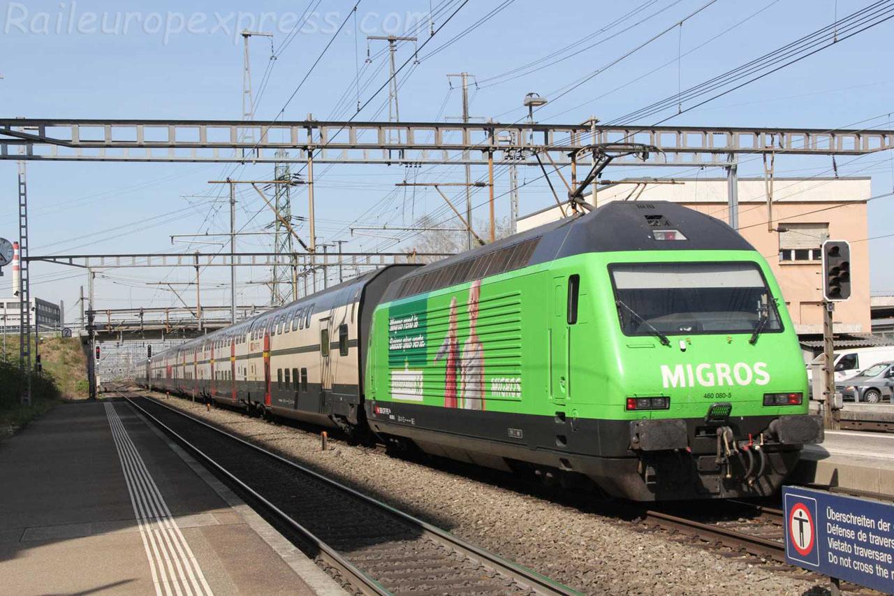 Re 460 080-5 CFF à Muttenz (CH)