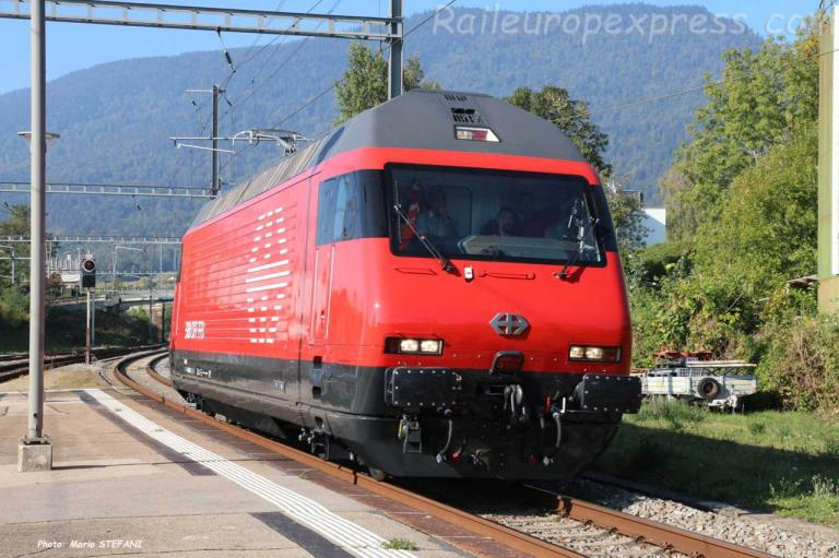 Re 460 CFF à Boudry (CH)