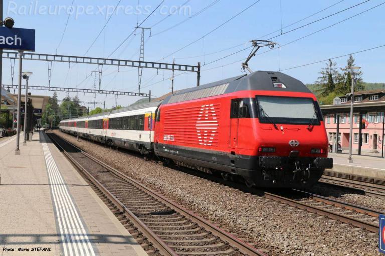 Re 460 CFF à Sissach (CH)