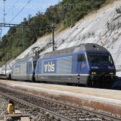 Re 465 002 BLS à Hohtten (CH)