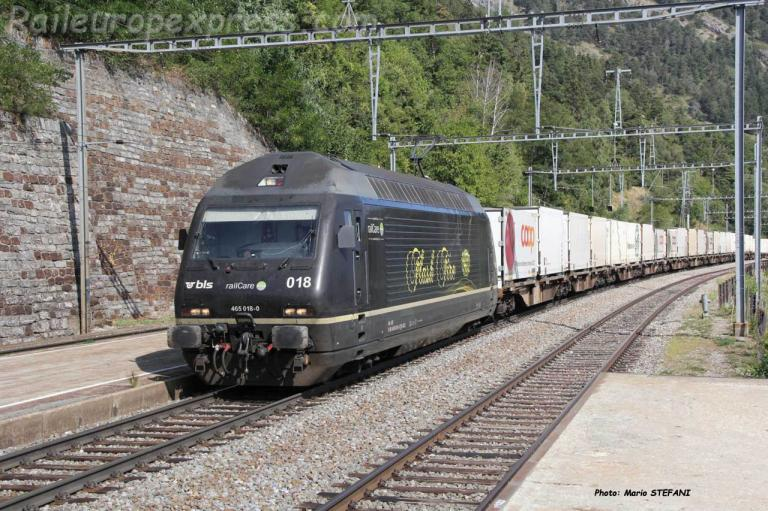 Re 465 018-0 BLS à Hohtenn (CH)