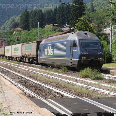 Re 465 011 BLS à Varzo (I)