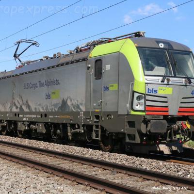Re 475 404-0 BLS à Boudry (CH)