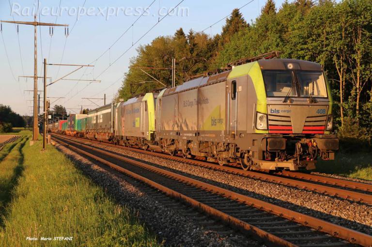 Re 475 408-1 BLS à Hindelbank (CH)