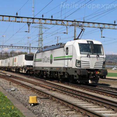 Re 476 451 RLC à Hendschiken (CH)