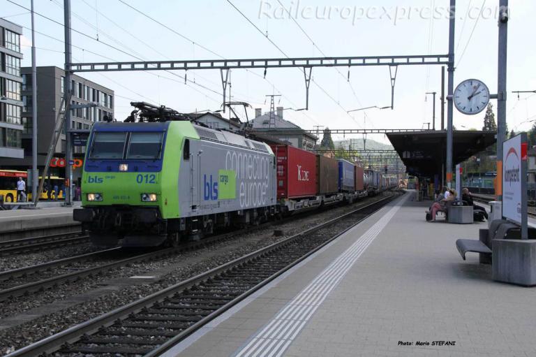 Re 485 012-9 BLS à Liestal (CH)