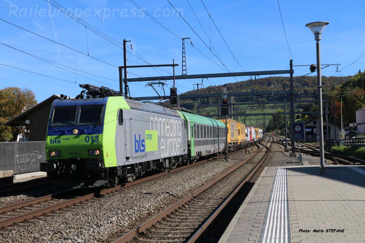 Re 485 013-7 BLS à Sissach (CH)