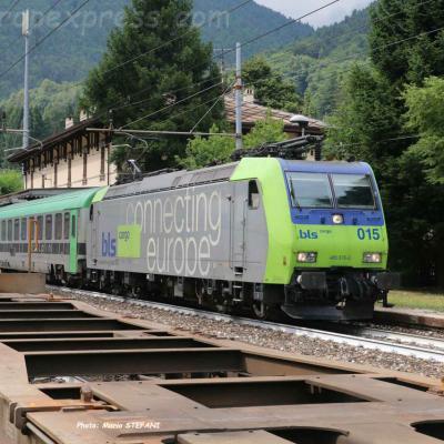 Re 485 015 BLS à Varzo (I)