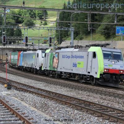 Re 486 504 BLS à Airolo (CH)
