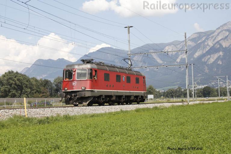 Re 6/6 11616 CFF à Feldsberg (CH)