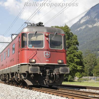 Re 6/6 11618 CFF à Felsberg