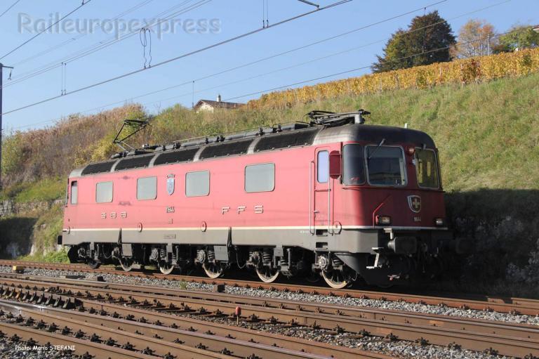 Re 6/6 11644 CFF à Auvernier (CH)