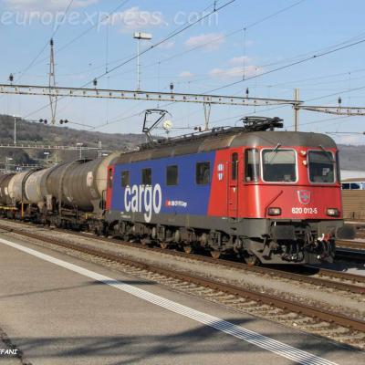Re 620 012-5 CFF à Cornaux (CH)