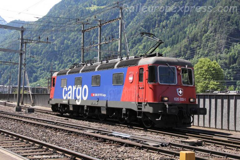 Re 620 033-1 CFF à Erstfeld (CH)