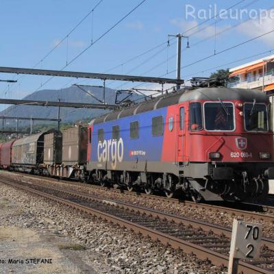 Re 620 060-4 CFF à Auvernier (CH)