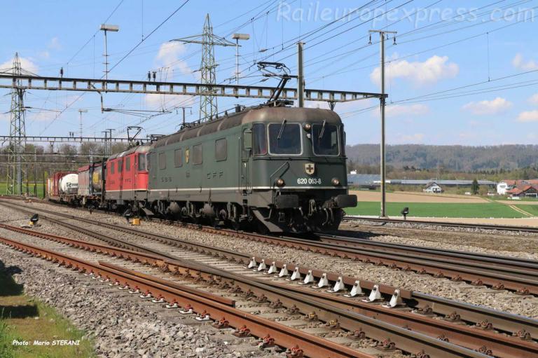 Re 620 063-8 CFF à Hendschiken (CH)