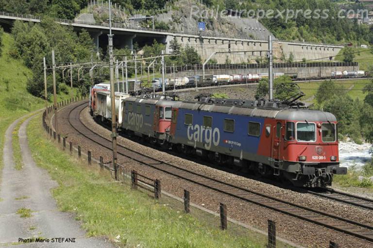 Re 620 069-5 CFF à Wassen (CH)