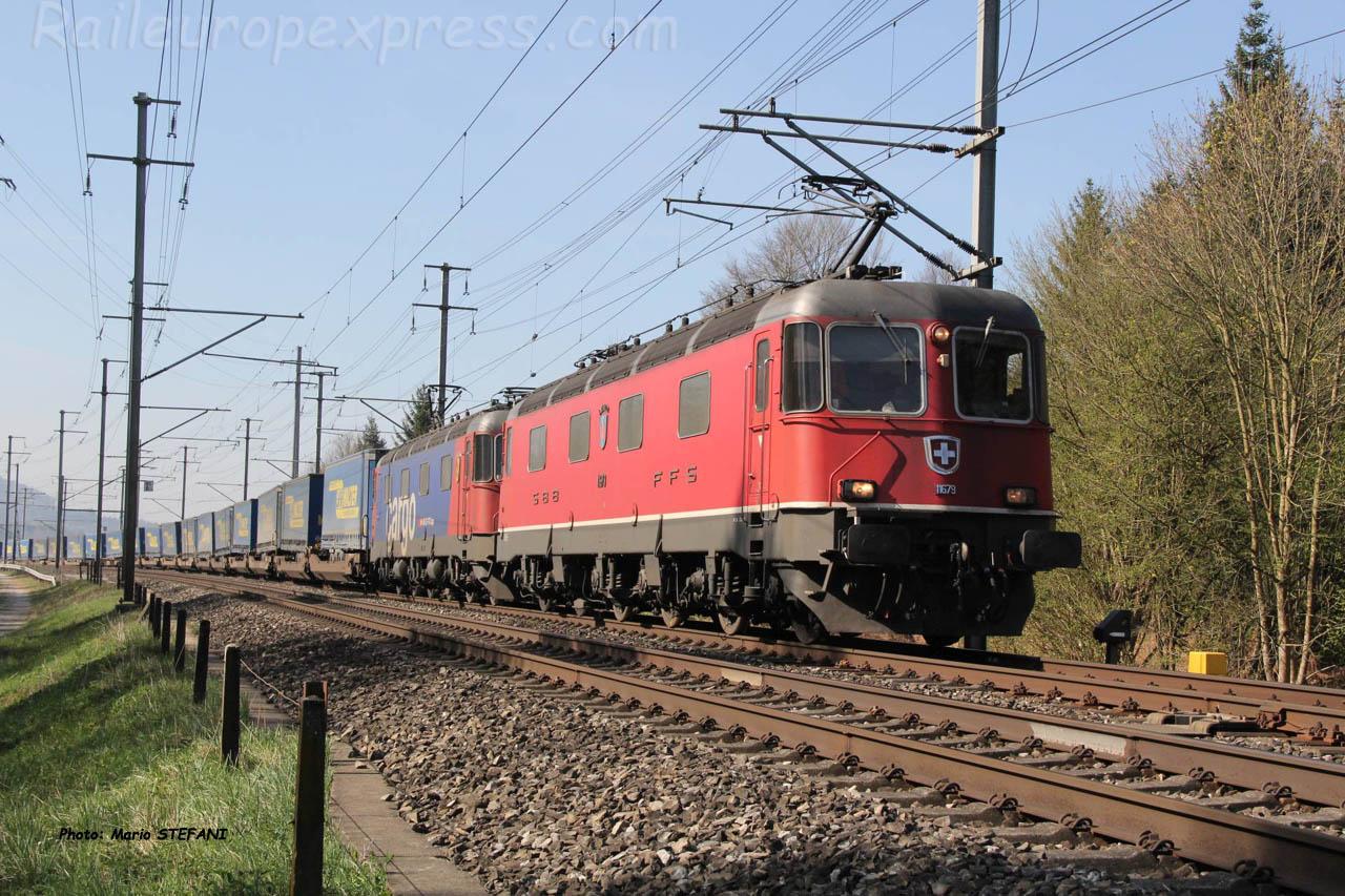 Re 6/6 11679 CFF à Mattstetten (CH)