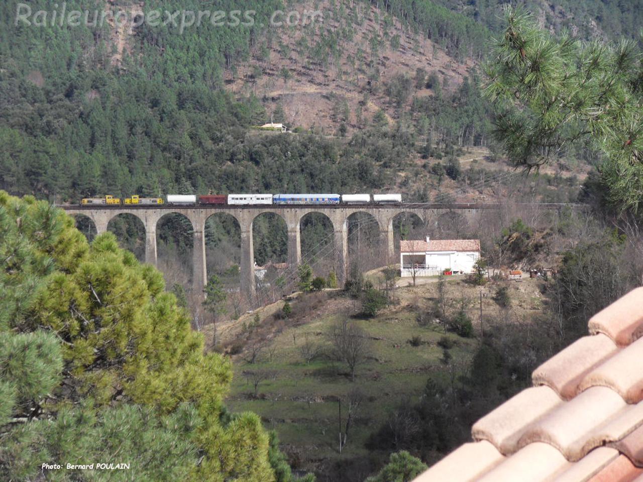 Train désherbeur SNCF à Chamborigaud (F-30)