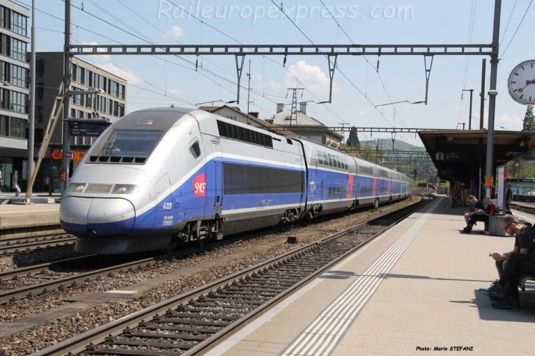 TGV 4725 SNCF à Liestal (CH)