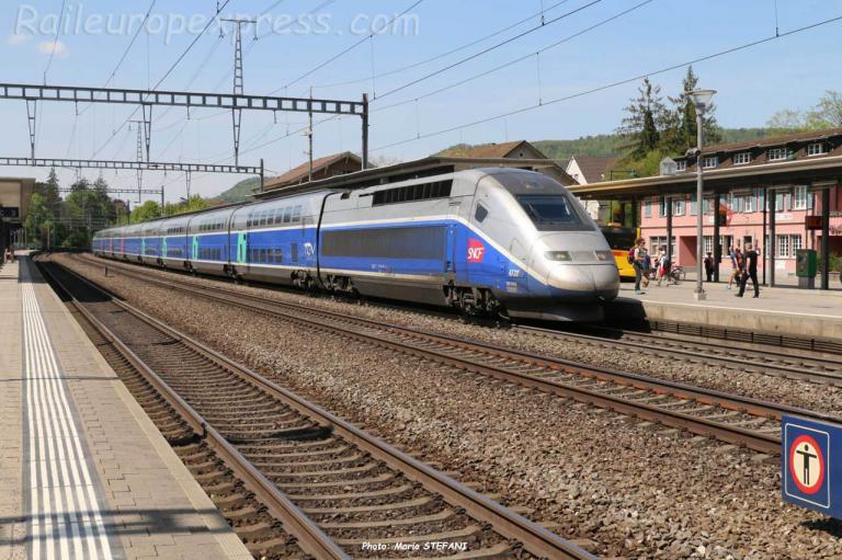 TGV 4728 SNCF à Sissach (CH)