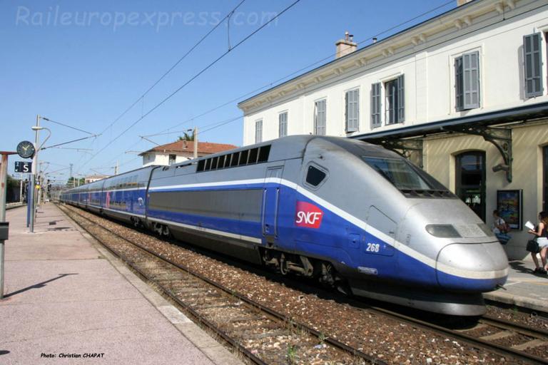 TGV Duplex 268 en gare des Arcs Draguignan (F-83)