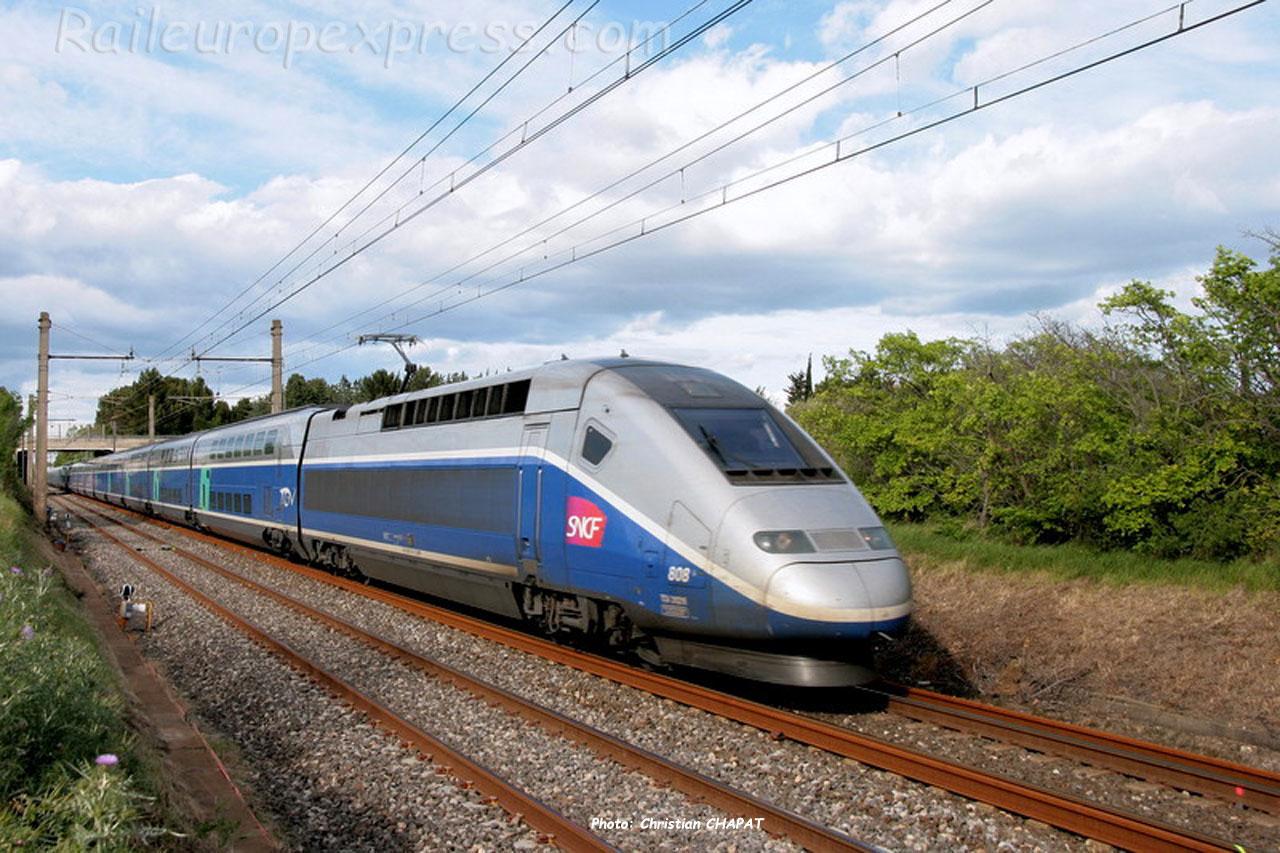 TGV Duplex SNCF près de Montpellier (F-34)