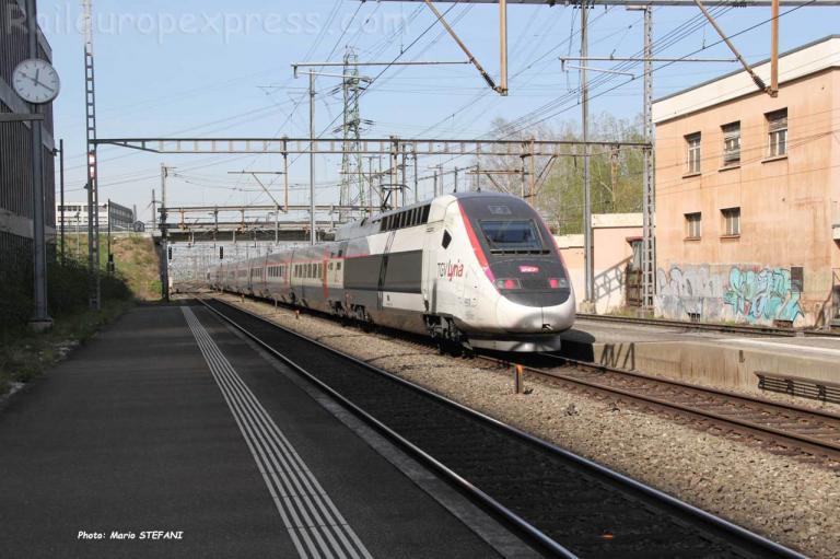 TGV Lyria SNCF à Muttenz (CH)