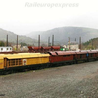 Train meuleur en gare de Neussargues (F 15)