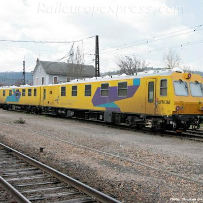 Train UFM 160 à Neussargues (F-15)