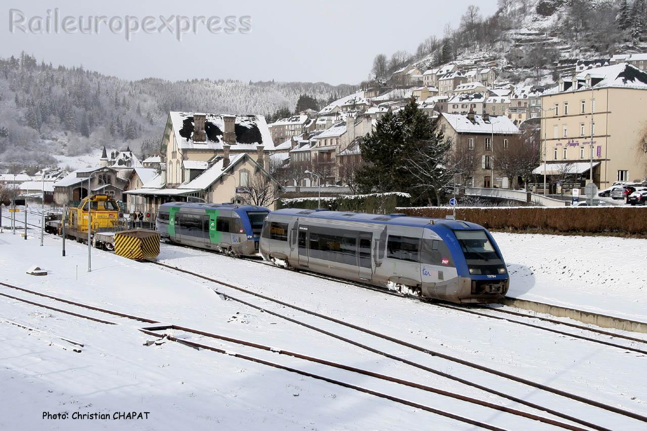 UM d' X 73500 SNCF à Murat (F-15)
