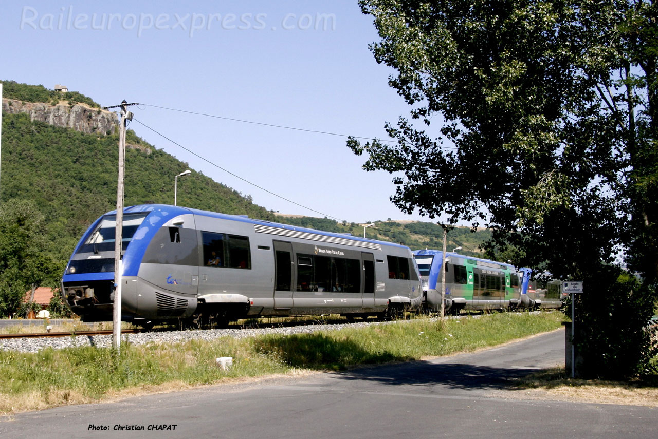 UM d'X 73500 SNCF à Massiac (F-15)