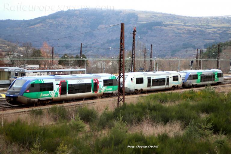 UM d' X 73500 SNCF à Neussargues (F-15)