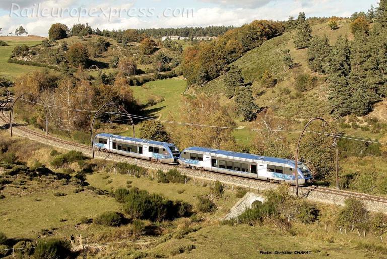 UM d'X 73500 SNCF près de Marvejols (F-48)