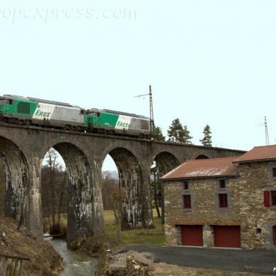 UM de BB 67400 SNCF Viaduc de Variettes (F-15)