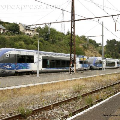 UM triple d'X 73500 SNCF à Saint Flour (F-15)