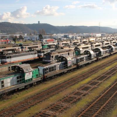 E. Macron a tranché: la SNCF vendue au Qatar