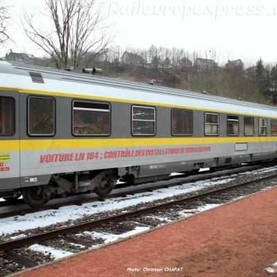 Voiture 184 SNCF à Vic sur Cère (F-15)