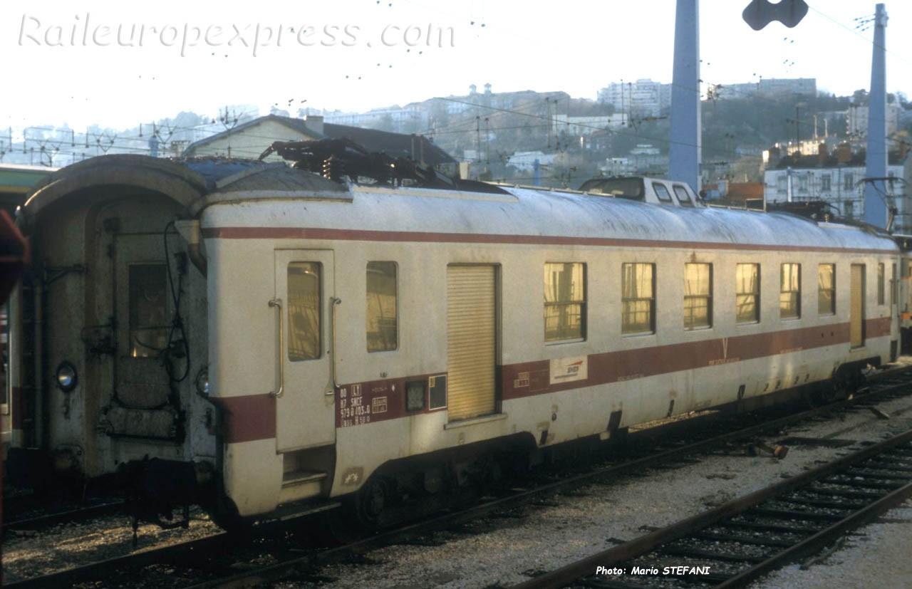 Wagon graisseur de caténaire SNCF à Lyon (F-69)