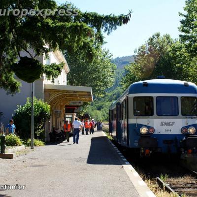 X 2819 en gare de Villefort