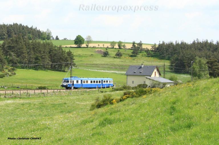 X 2819 près d'Aumont-Aubrac (F 48)
