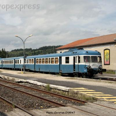 X 2819 SNCF à Langogne (F-48)