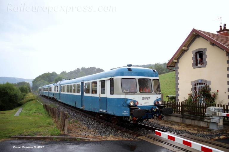 X 2819 SNCF à Neussargues (F-15)