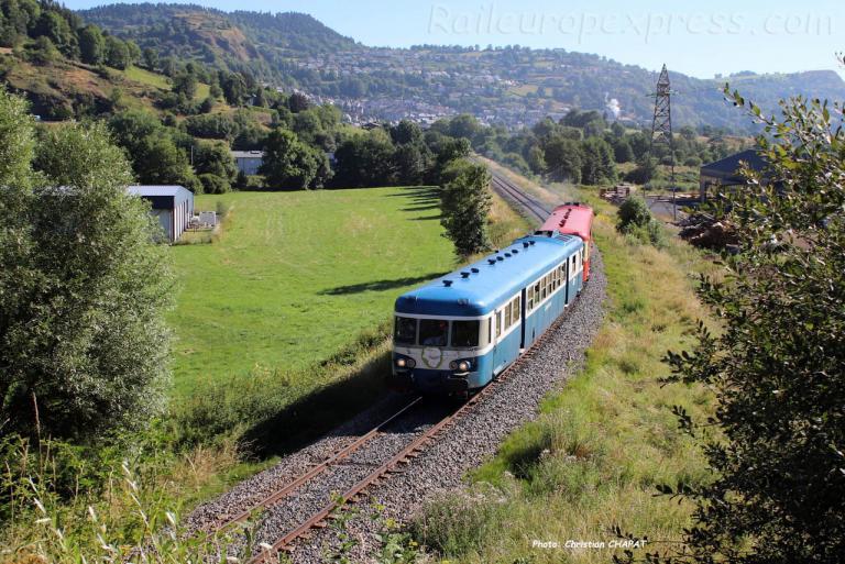 X 2907 SNCF à Murat (F-15)